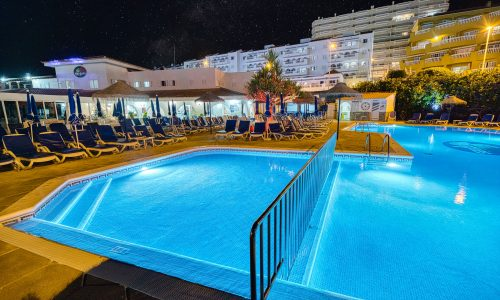 Hotel Marques Night pool
