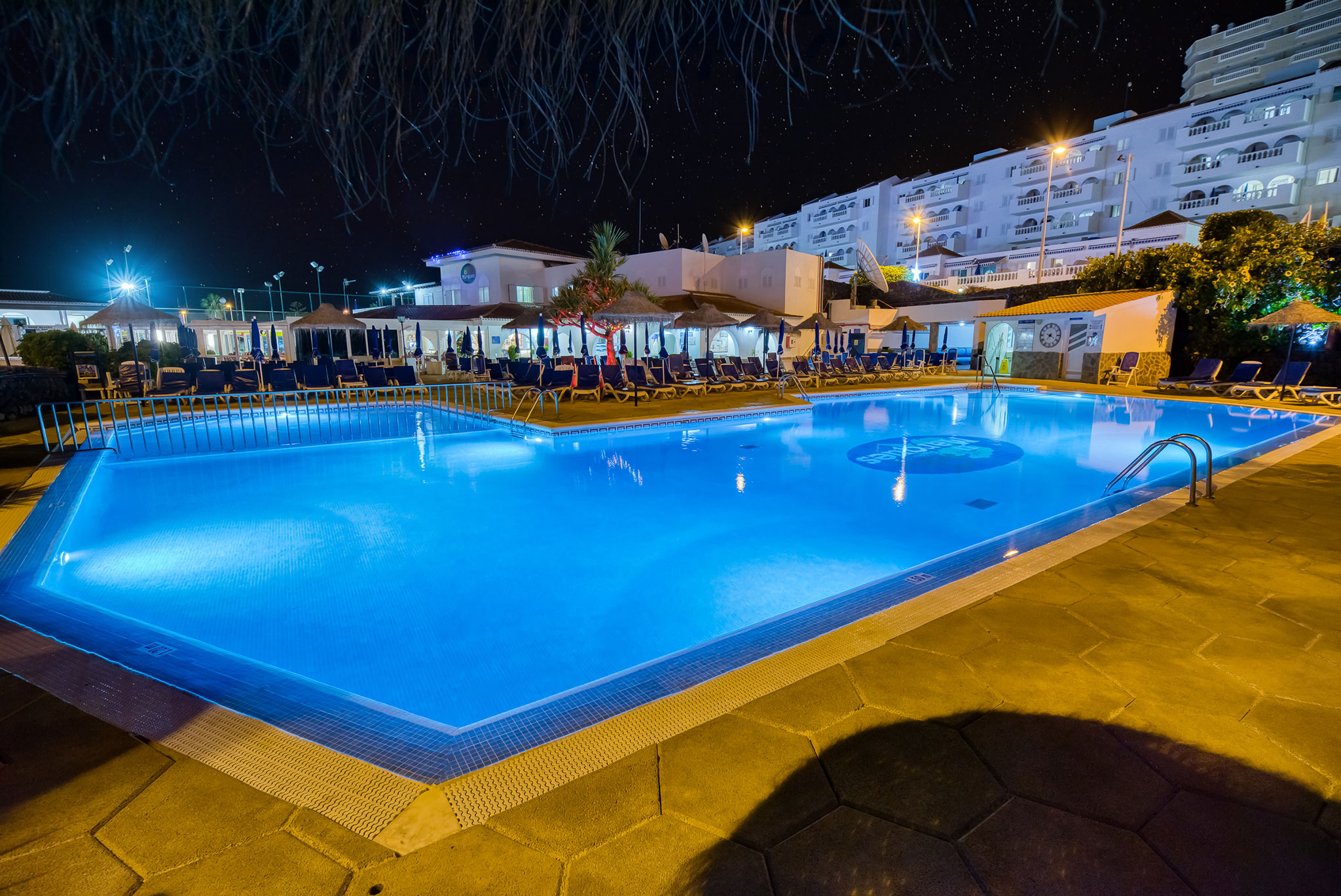 el-marques-night-pool
