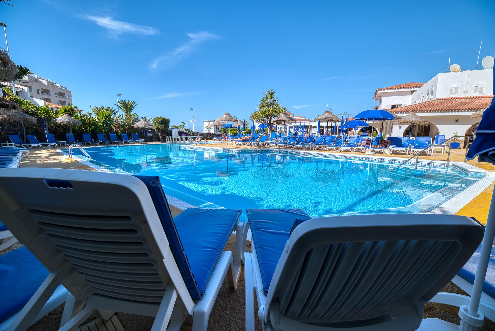 el-marques-swimmingpool-summer