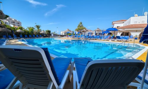 hotel-marques-pool-relax