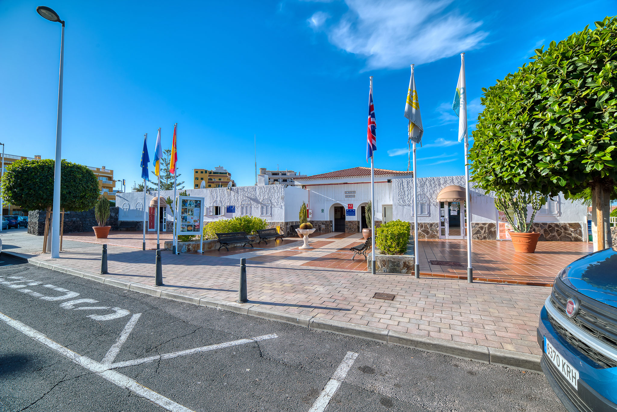 hotel-marques-street-outside
