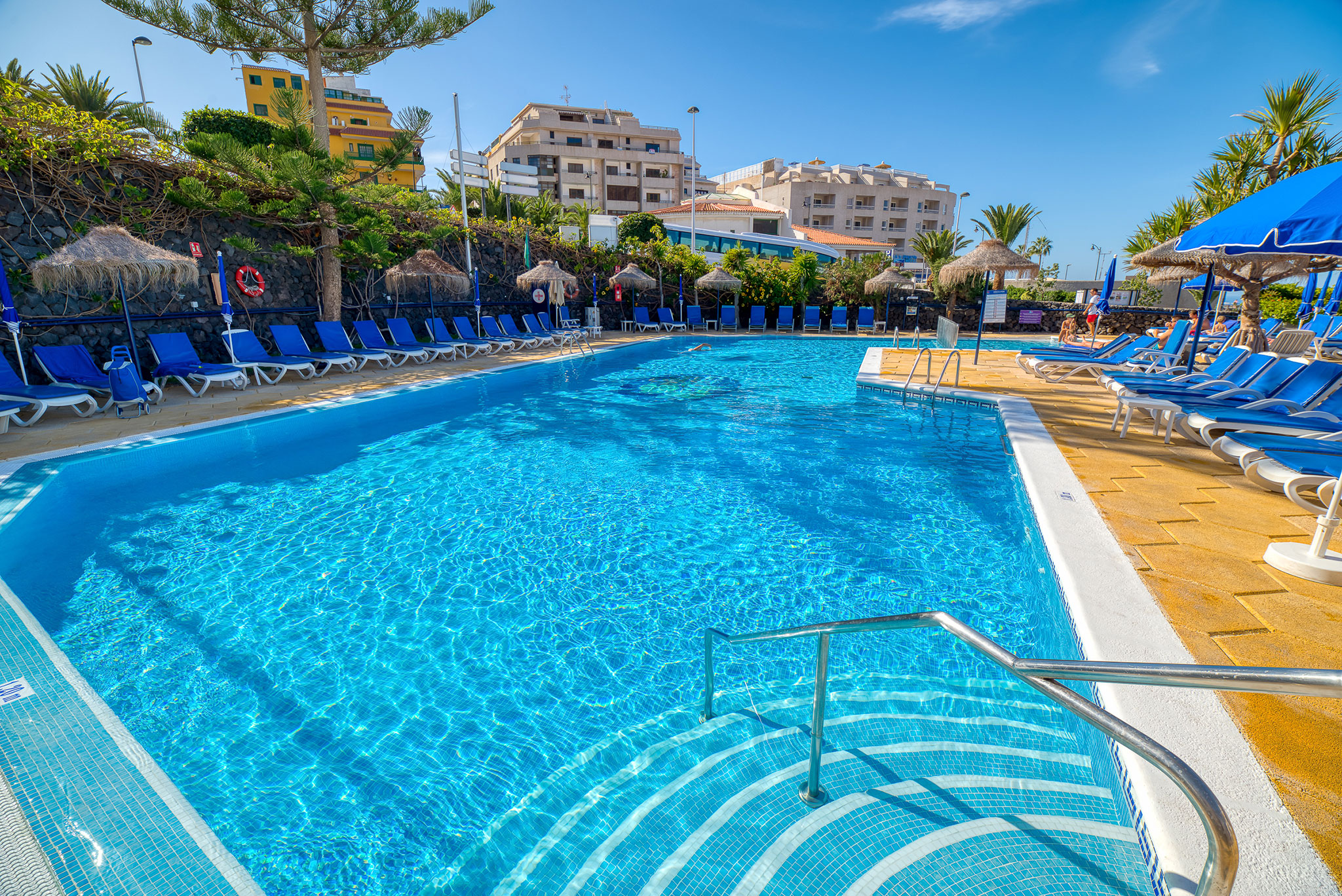 hotel-marques-swimmingpool