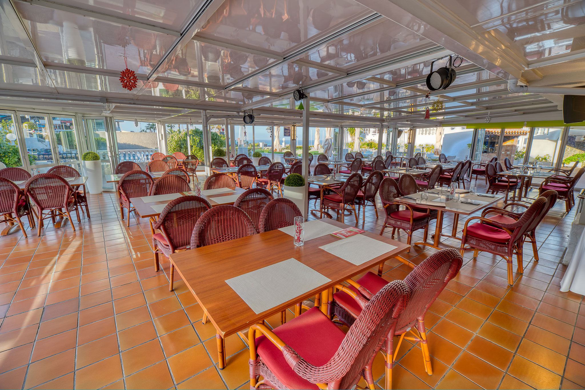 hotel-marques-terrace-bar