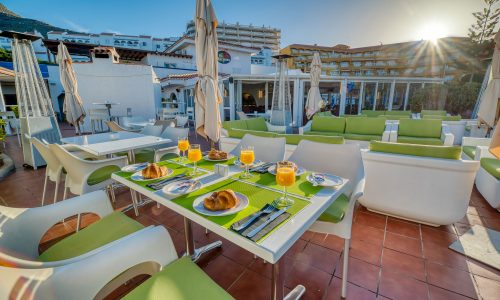 hotel-marques-terrace-breakfast