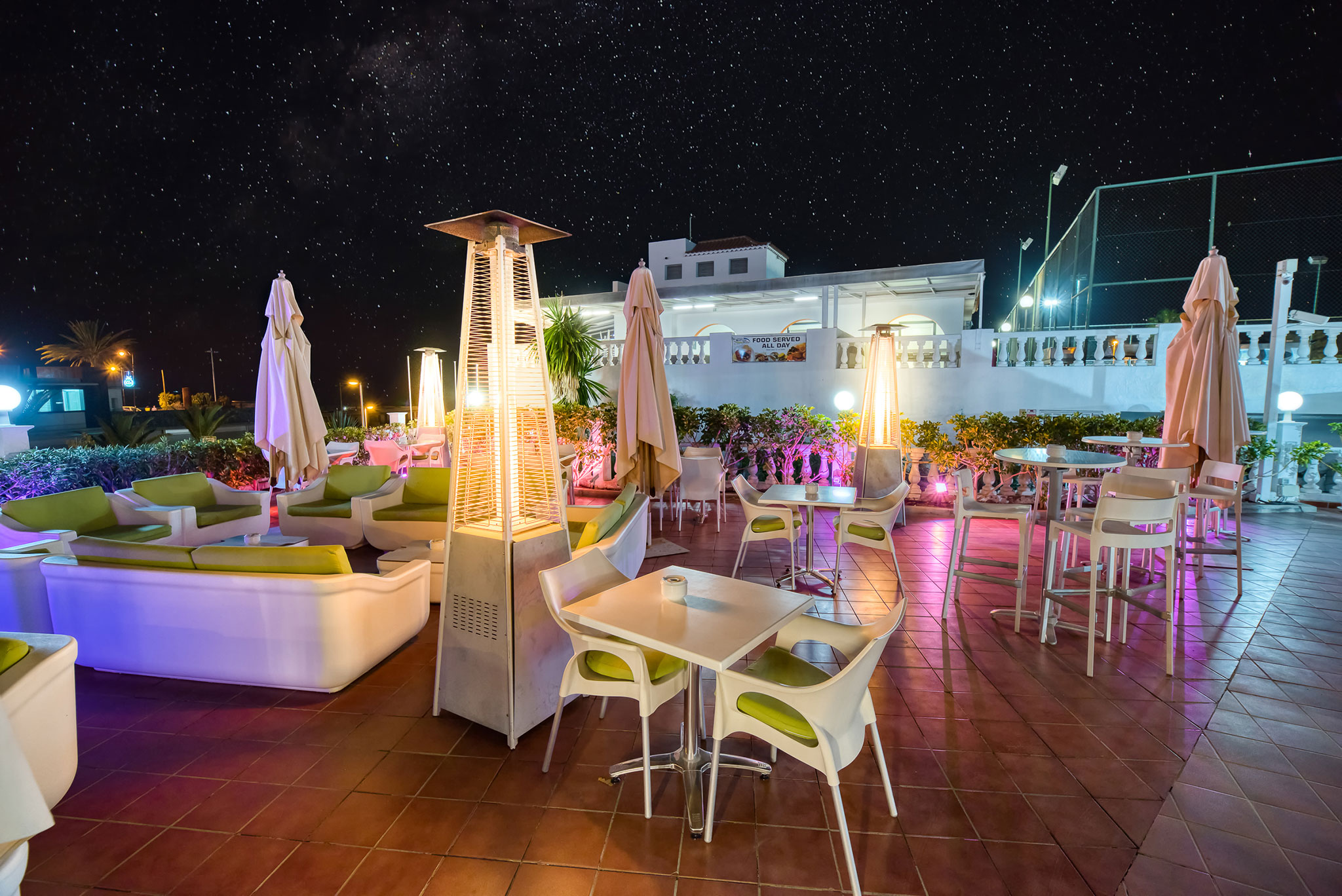 hotel-marques-terrace-night
