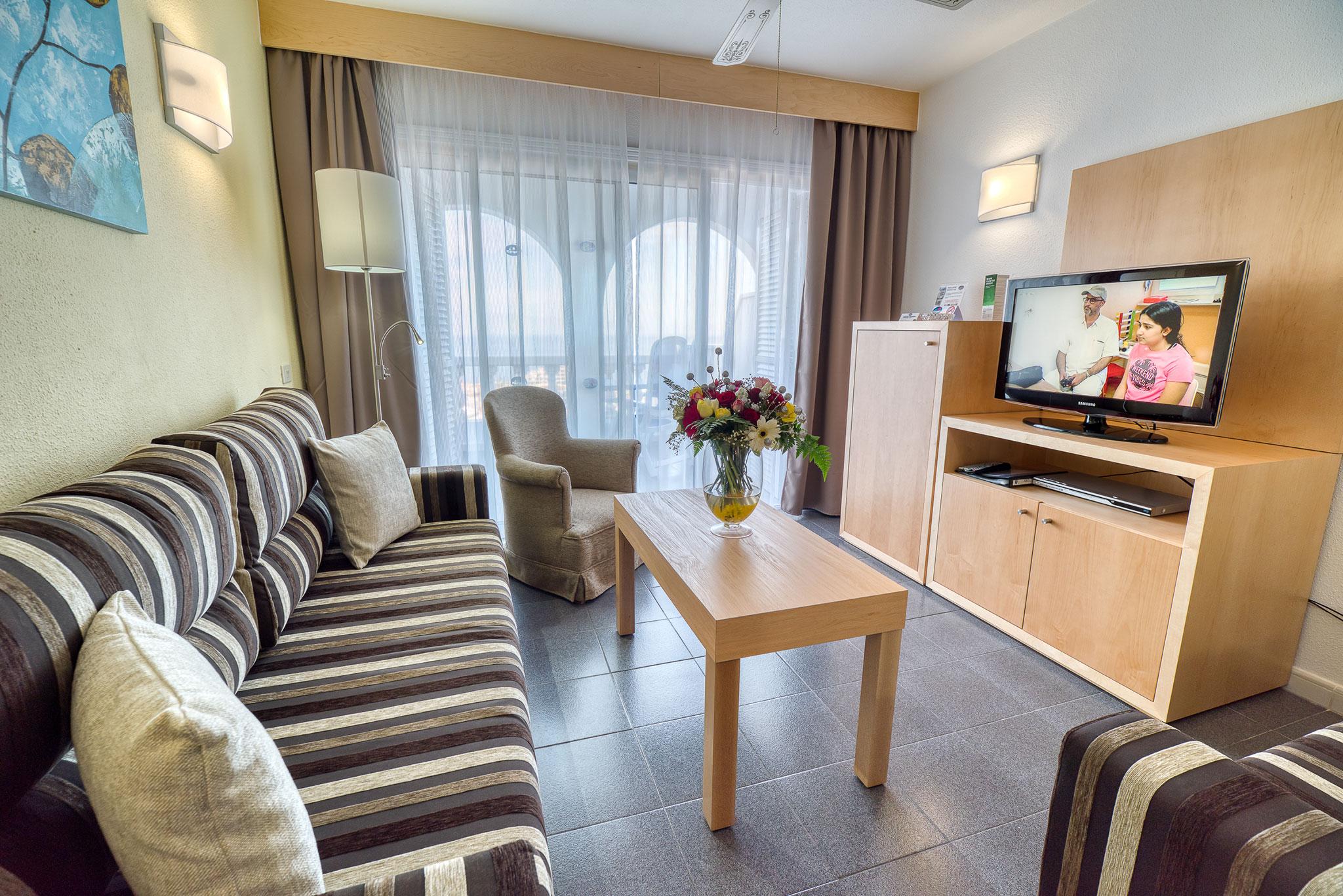hotel-marques-tv-area
