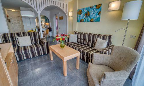 marques-livingroom-2bedroom