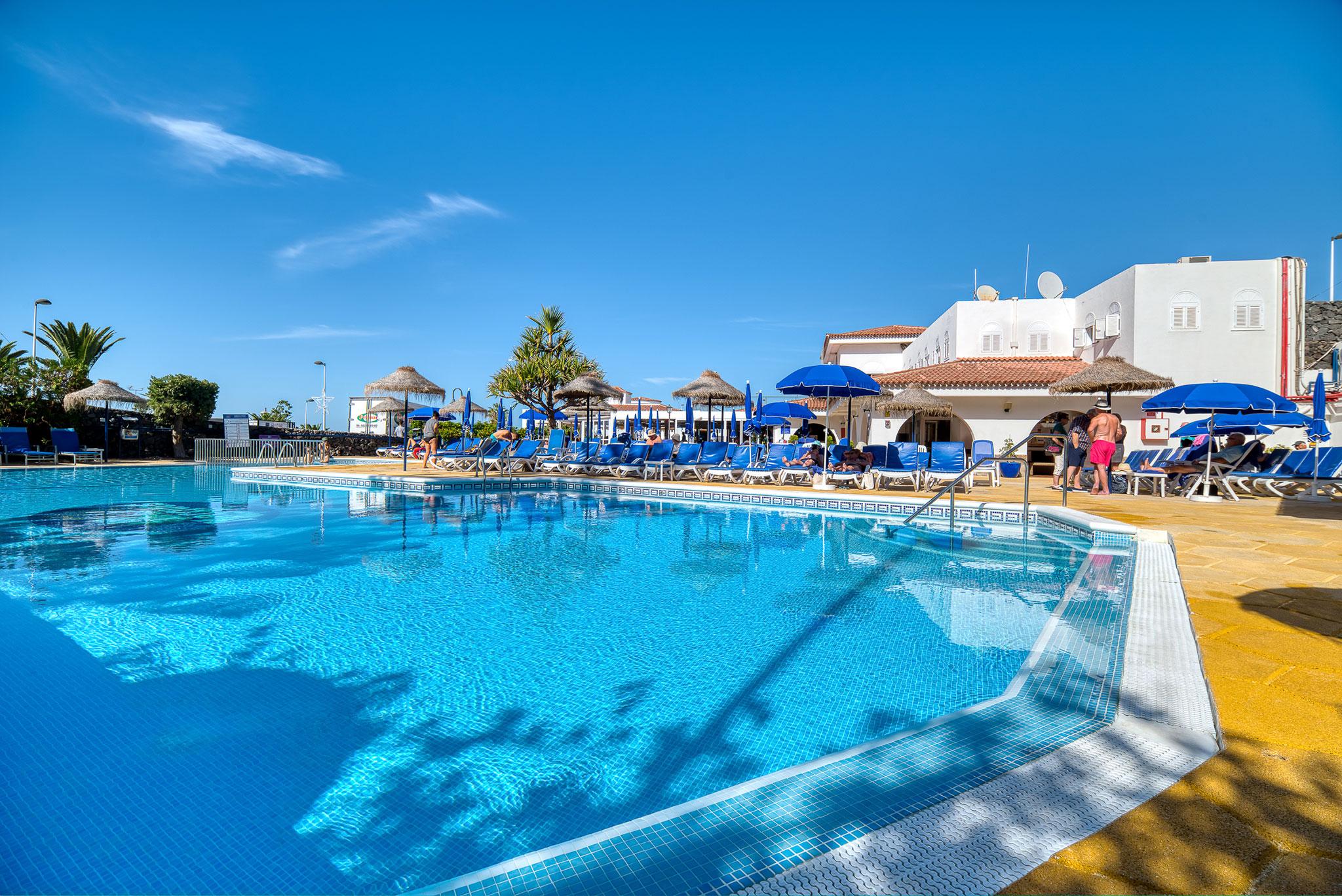 pool-elmarques-hotel